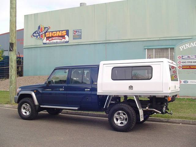 Toyota Land Cruiser 70 1